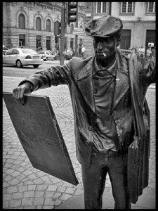 Ardina (estátua nos Aliados, Porto)